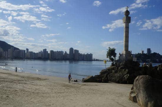 Praia de São Vicente, conhecida também como Praia do Gonzaguinha