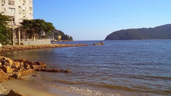 Praia dos Milionários em São Vicente