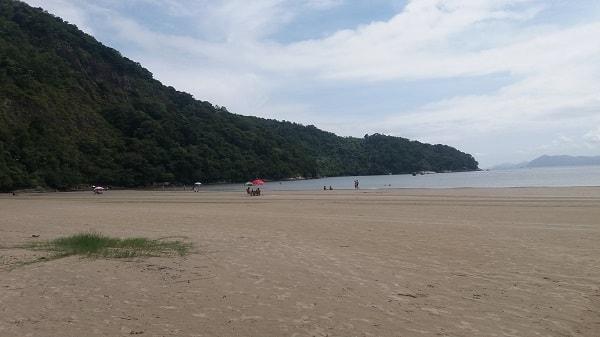 Praias em Bertioga: Indaiá