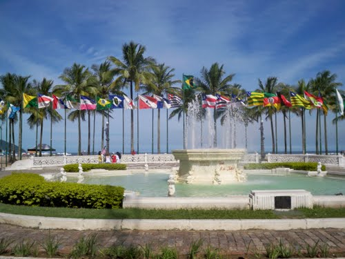 Praça das Bandeiras na Praia do Gonzaga em Santos